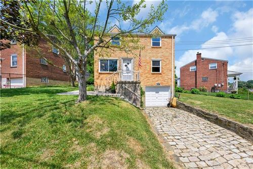 Photo of 524 E Garden Rd, Pittsburgh, PA 15227 (MLS # 1456159)
