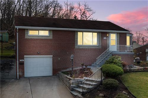 Photo of 3104 Woodridge Dr, Pittsburgh, PA 15227 (MLS # 1477183)