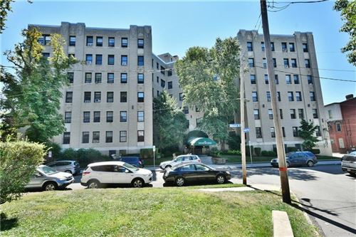 Photo of 372 S Highland Ave #204, Pittsburgh, PA 15206 (MLS # 1462212)