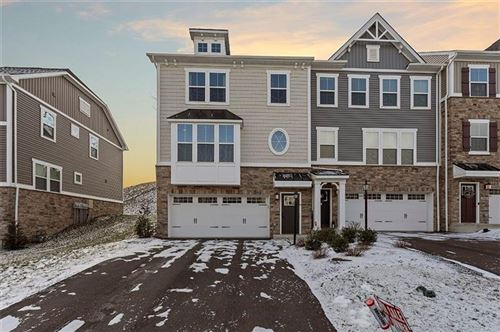Photo of 1418 Deer Creek Crossing Dr, Canonsburg, PA 15317 (MLS # 1433228)