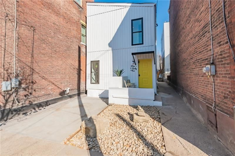 Photo for 165 42nd St, Pittsburgh, PA 15201 (MLS # 1475247)
