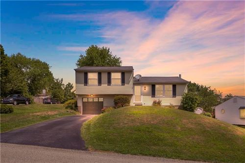 Photo of 2307 Lancelot Dr, Irwin, PA 15642 (MLS # 1462249)