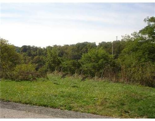 Photo of Lot 135 Dominion Heights, Upper St. Clair, PA 15241 (MLS # 1495256)