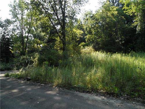 Photo of L 1502-1804 McMillan Road, Upper St. Clair, PA 15241 (MLS # 1495331)