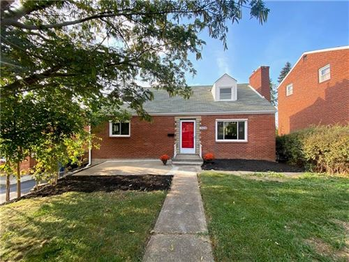 Photo of 1528 Orchardview Dr, Pittsburgh, PA 15220 (MLS # 1470334)