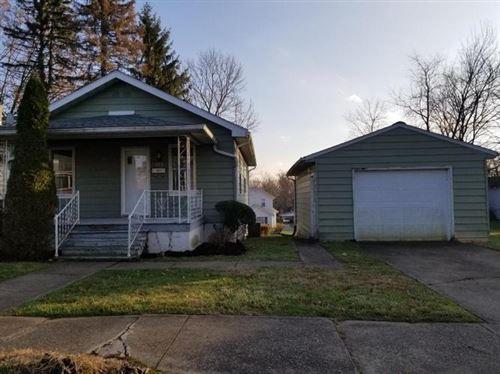 Photo of 122 E Fairmont Ave, New Castle, PA 16105 (MLS # 1449340)