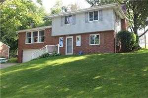 Photo of 119 Dover Dr, CORAOPOLIS, PA 15108 (MLS # 1403367)