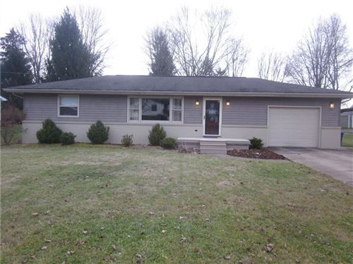 Photo of 2526 Willowhurst Circle, New Castle, PA 16101 (MLS # 1428371)