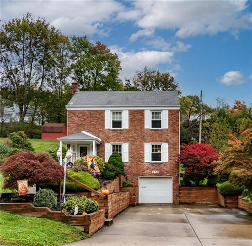 Photo of 273 Constitution Dr, Pleasant Hills, PA 15236 (MLS # 1528431)