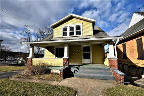 Photo of 10 W Chartes St, New Castle, PA 16102 (MLS # 1437434)