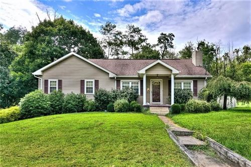 Photo of 12 Grandview, New Castle, PA 16101 (MLS # 1437459)