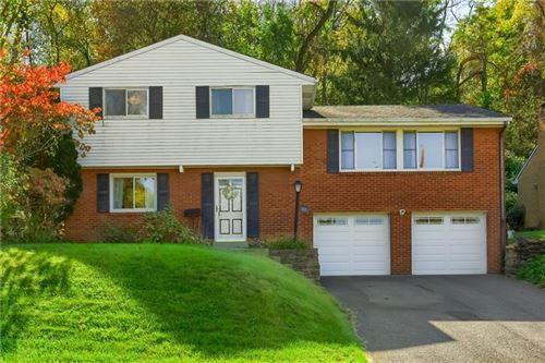 Photo of 1221 Grouse Dr, Scott Township, PA 15243 (MLS # 1527489)
