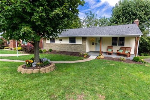 Photo of 1256 Raven Dr, Scott Township, PA 15243 (MLS # 1523536)