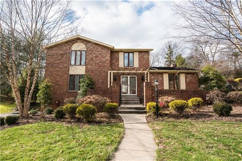 Photo of 345 Oaklawn Dr, Pittsburgh, PA 15241 (MLS # 1432537)
