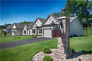 Photo of 908 Copper Creek Trail, GIBSONIA, PA 15044 (MLS # 1401541)