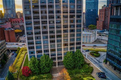 Photo of 112 Washington Pl #18E, Downtown Pgh, PA 15219 (MLS # 1499558)