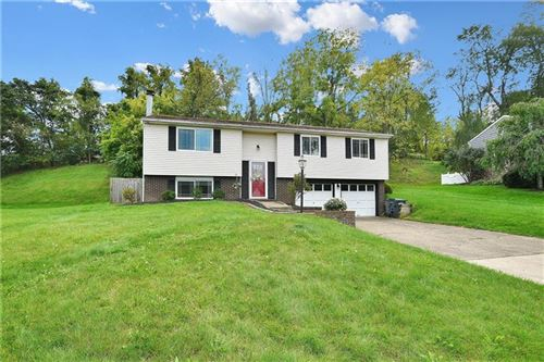 Photo of 256 Gerrie Drive, Upper St. Clair, PA 15241 (MLS # 1522613)
