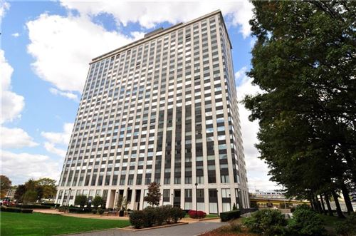 Photo of 320 Fort Duquesne Blvd #19M, Downtown Pgh, PA 15222 (MLS # 1482618)