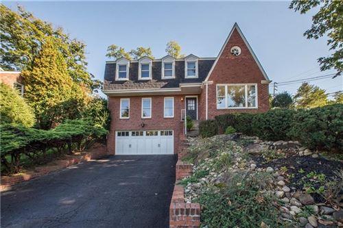 Photo of 257 Oak Entrance Dr, Jefferson Hills, PA 15025 (MLS # 1527622)