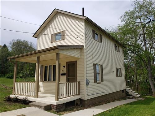 Photo of 233 N Cascade St, New Castle, PA 16101 (MLS # 1446654)