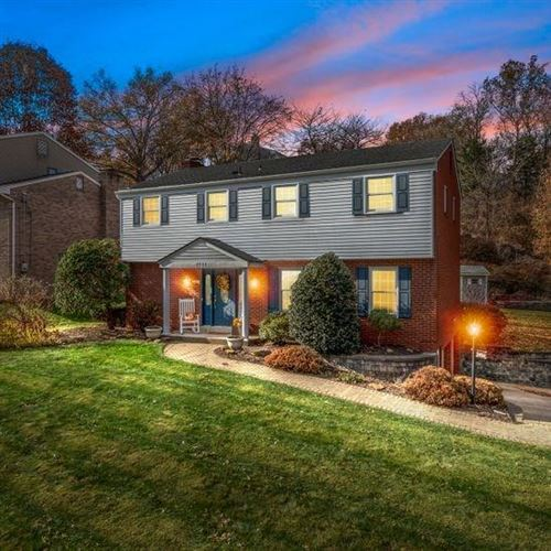 Photo of 7038 Lawrence Dr, Bethel Park, PA 15102 (MLS # 1427671)