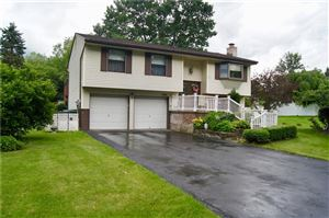 Photo of 443 Deerfield Dr, CRANBERRY TOWNSHIP, PA 16066 (MLS # 1401674)