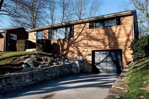 Photo of 2318 Oak Manor Drive, Banksville/Westwood, PA 15220 (MLS # 1482686)