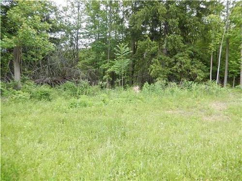 Photo of 508 Cascade Ct, Hempfield Township, PA 15601 (MLS # 1527689)