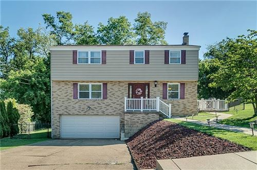 Photo of 138 Green Glen Dr, Pittsburgh, PA 15227 (MLS # 1456727)