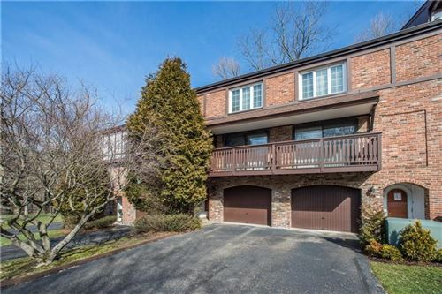 Photo of 304 Thornberry Court, Pittsburgh, PA 15237 (MLS # 1436741)