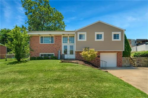 Photo of 523 Neola Dr, Ross Township, PA 15237 (MLS # 1506792)