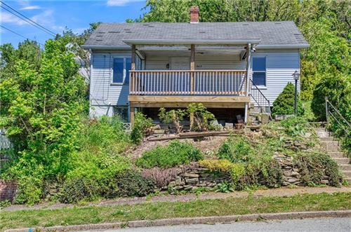 Photo of 805 Ellsworth Ave, Jeannette, PA 15644 (MLS # 1448841)