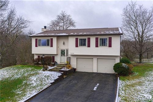Photo of 116 Buttercup Drive, Cranberry Township, PA 16066 (MLS # 1433849)