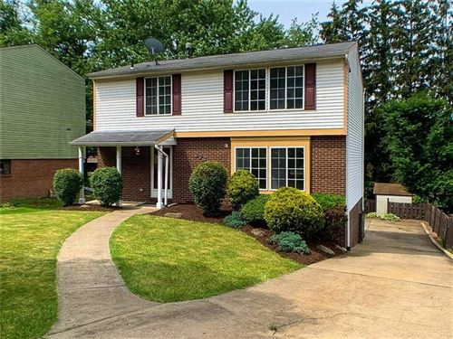 Photo of 272 Coleen Dr, Pleasant Hills, PA 15236 (MLS # 1506939)