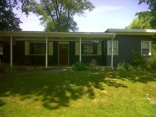 Photo of 691 Cottage Grv, New Castle, PA 16105 (MLS # 1427940)