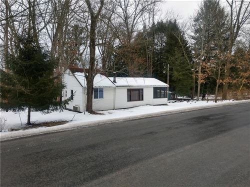 Photo of 724 Kiester Rd, Slippery Rock Township - BUT, PA 16057 (MLS # 1486947)