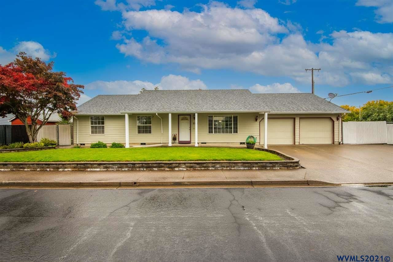 Photo of 2851 NE Aaron Dr, McMinnville, OR 97128 (MLS # 785005)