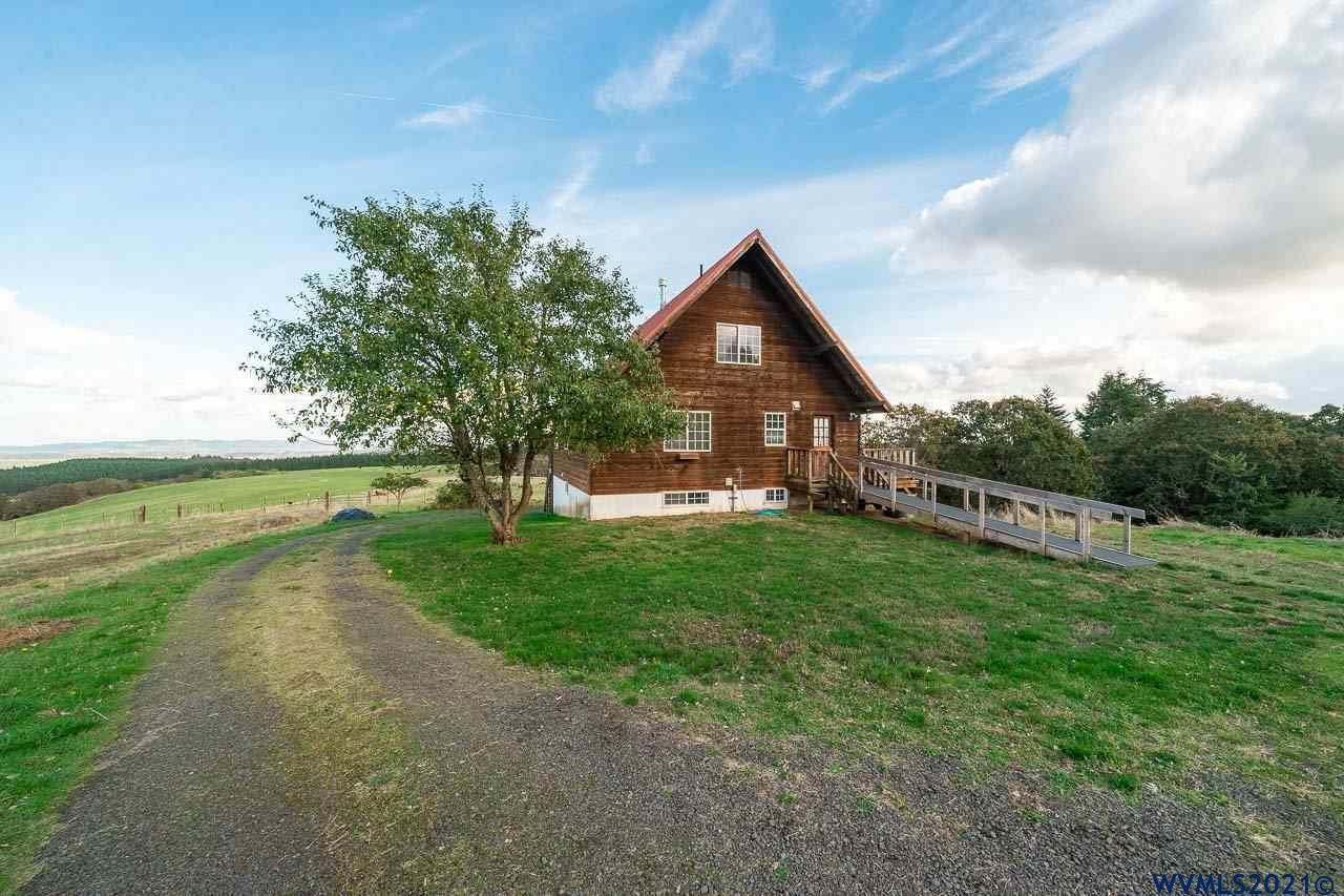 Photo of 17240 Beck Rd, Dallas, OR 97338 (MLS # 783071)