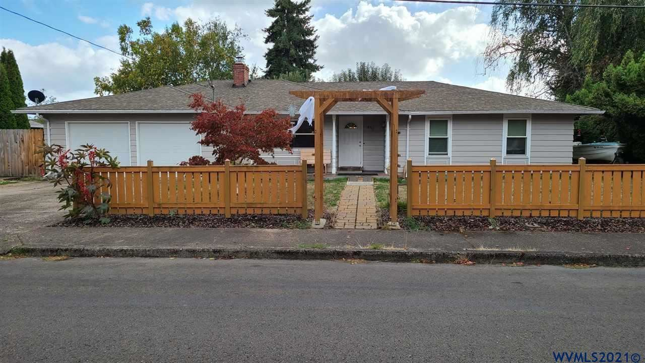 Photo of 456 SW Chapman St, Sheridan, OR 97378 (MLS # 784167)