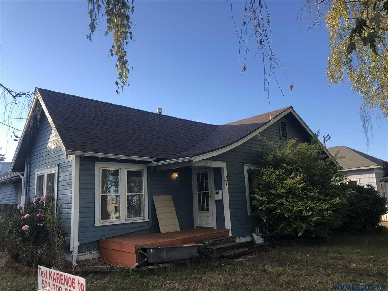 Photo of 1089 SW Church St St, Dallas, OR 97338 (MLS # 784188)