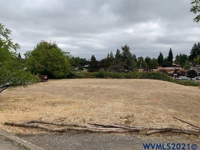 Photo of 3822 Duplex (Next To) Ct, Salem, OR 97302 (MLS # 784257)