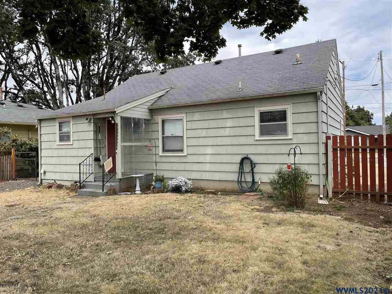 Photo of 375 SW Mill St, Dallas, OR 97338 (MLS # 783294)