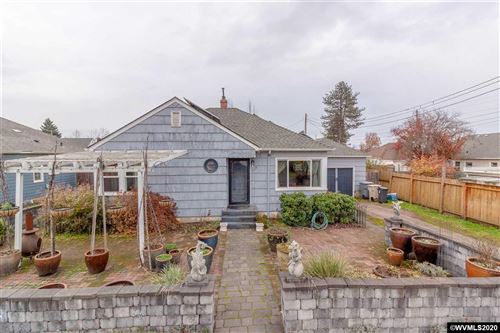 Photo of 1615 Liberty St, Albany, OR 97321 (MLS # 771306)
