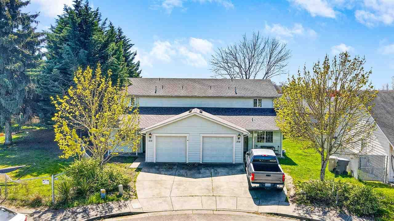 Photo for 208 Foxwood Ct, Albany, OR 97322-4804 (MLS # 775411)