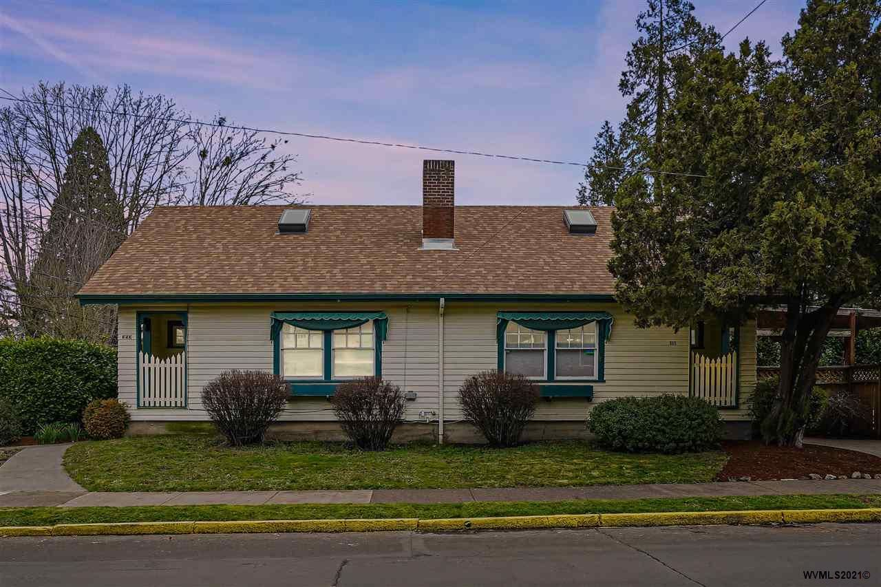 Photo for 351-353 NW 23rd St, Corvallis, OR 97330-5358 (MLS # 773434)