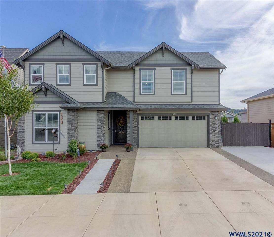 Photo of 1625 SE Academy St, Dallas, OR 97338 (MLS # 784440)