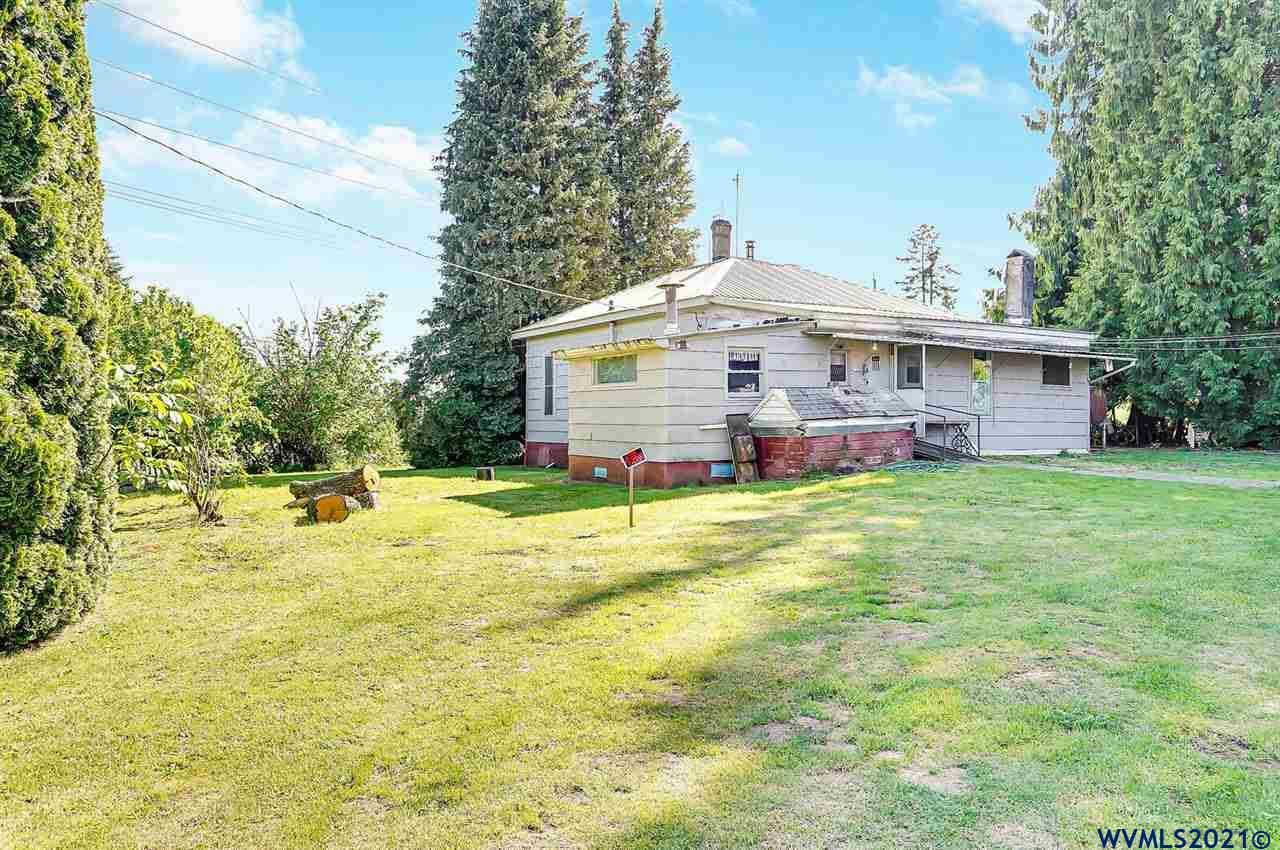 Photo of 21811 Cole Ln, Aurora, OR 97002 (MLS # 784473)