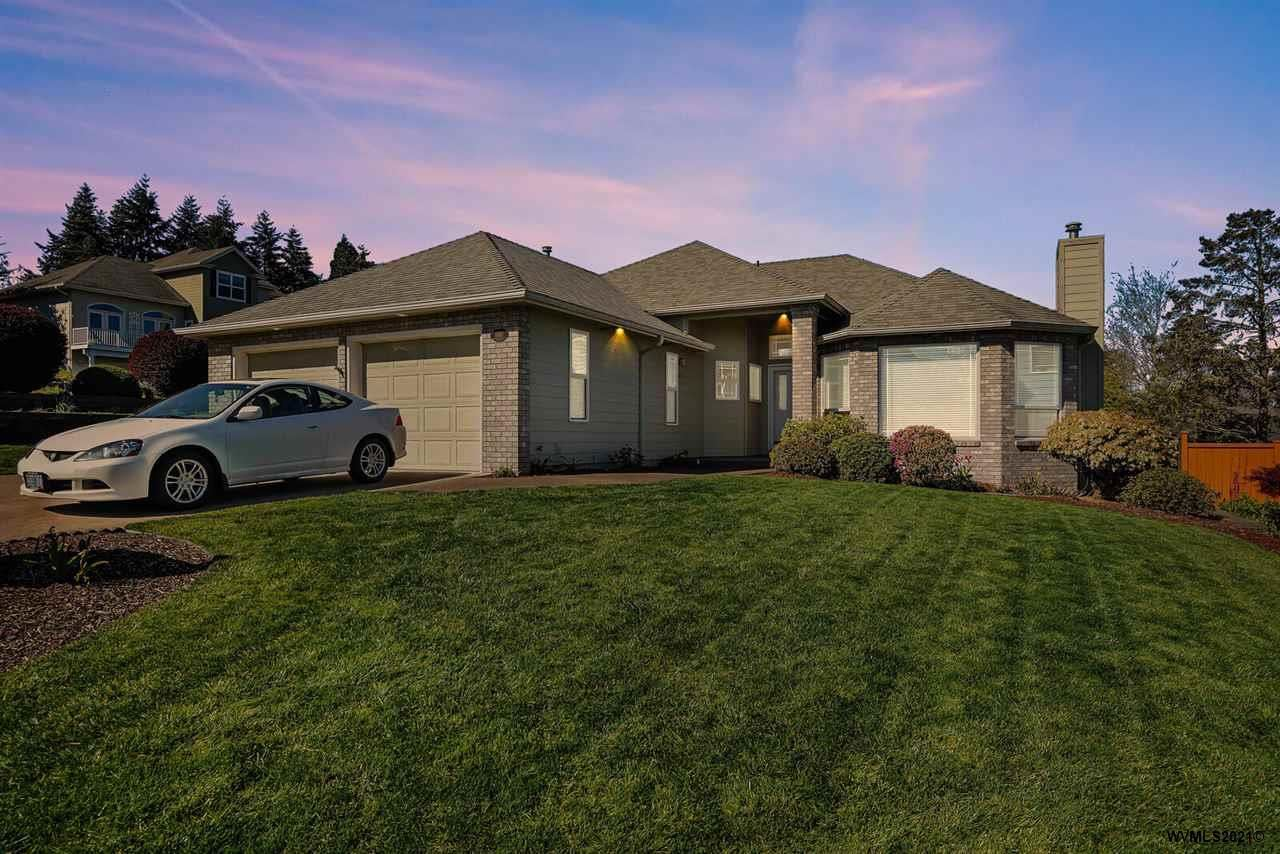 Photo for 1850 Gibson Wy, Albany, OR 97321 (MLS # 776585)
