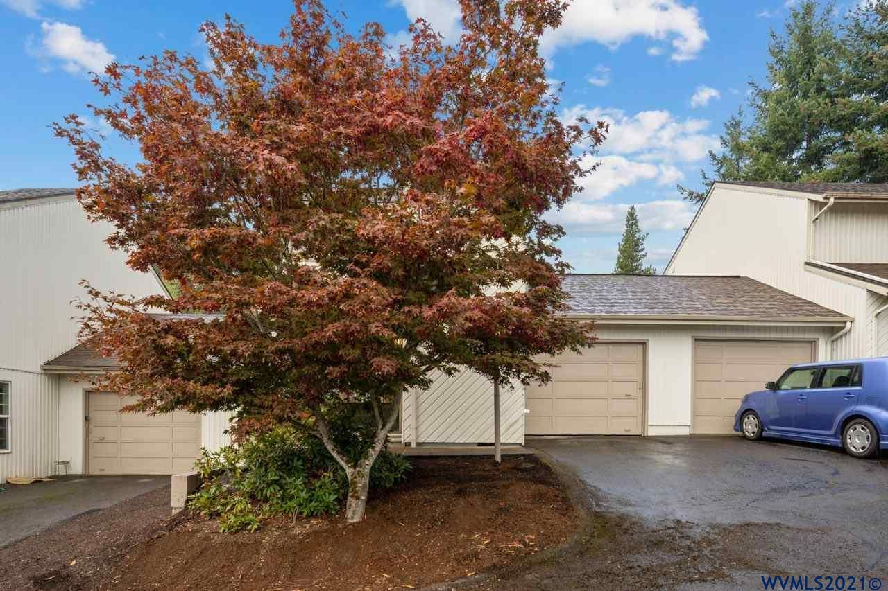 Photo of 1450 SW Bridlewood #5 Dr, Dallas, OR 97338 (MLS # 784585)