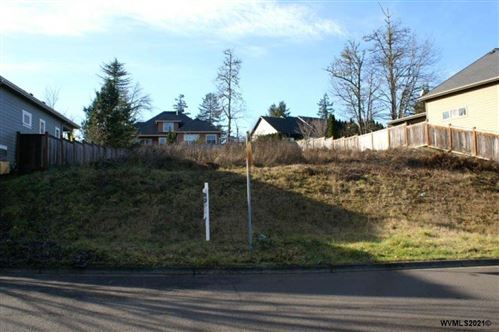 Photo of 6015 Fernhill Lp, Springfield, OR 97478 (MLS # 772673)